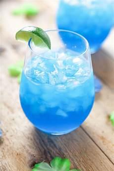 easy 4 ingredient blue margaritas baking beauty