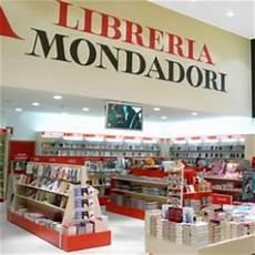 librerie napoli vomero due nuove librerie per mondadori a napoli repubblica it