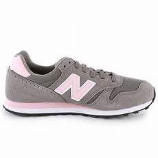 new balance 373 womens trainers in grey pink