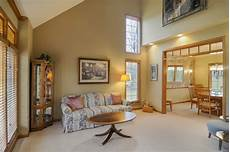 Decorating Ideas For Vaulted Ceiling Living Rooms by Pictures Of Great Rooms With Cathedral Ceilings Home
