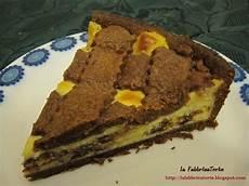 crostata al cacao con crema pasticcera la fabbricatorte crostata al cacao con crema ricotta e gocce di cioccolato