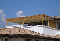 coprire una terrazza installazione di un pergolato puntocasa