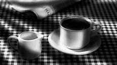 Gambar Hitam Dan Putih Minum Satu Warna Espreso