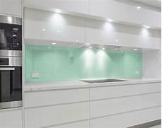 Küche Spritzschutz Wand - lindgr 252 ne k 252 chenr 252 ckwand aus glas nach ma 223 spritzschutz