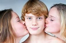 Junge Mädchen Bilder - erste hilfe tipps f 252 r eltern verliebten kindern