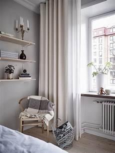 gardinen schlafzimmer grau k 252 chentraum in grau lilaliv deko gardi