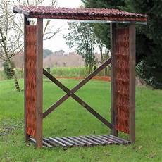 abri pour bois de chauffage en osier et pin fsc mobilier