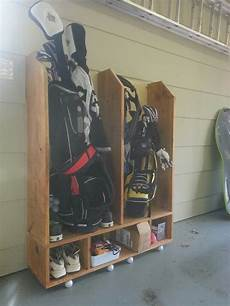 Garage Storage Ideas For Golf Clubs by Golf Bag Storage Diy Projects To Try In 2019 Golf Push