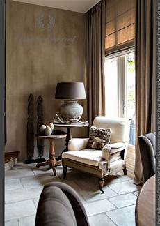 salon living room corner fresco lime paint kalkverf in the color heavy clay the wall
