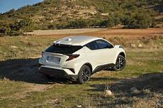 Toyota C Hr Le Crossover Hybride 224 L Essai Challenges Fr