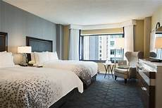 downtown chicago hotel rooms and suites renaissance chicago downtown hotel