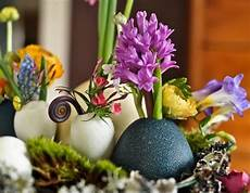 Basteln Mit Zerbrochenen Eierschalen - recycling egg shells for miniature vases green easter