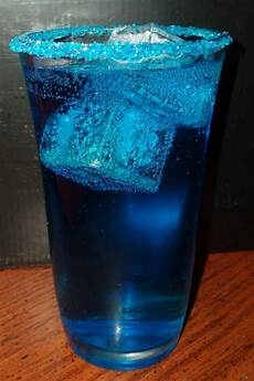 whisky rye blue cocktail recipe