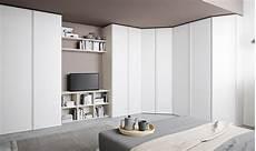 armadio con angolo armadio ad angolo per sfruttare meglio lo spazio casafacile
