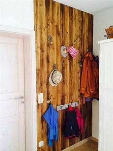 garderobe aus alten brettern alte bretterbude garderobe froschbunt