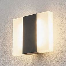 b 246 rje led outdoor wall light in a square shape lights co uk
