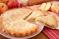 crostata di crema pasticcera di benedetta rossi crostata cuor di mele senza uova fatto in casa da benedetta rossi ricetta nel 2020