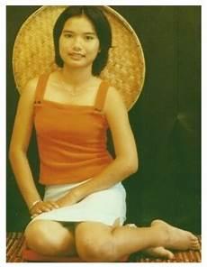 consolato italiano a bangkok donne thai di una piccola cittadina sconosciuta ai turisti