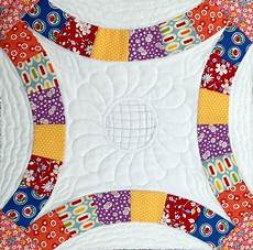 starwood quilter double wedding ring quilt block and what s your nightstand