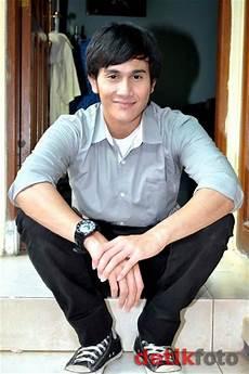 Gambar Vino G Bastian Aktor Cowok Ganteng Indonesia Foto