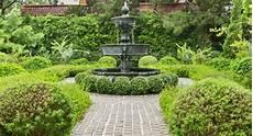 comment installer une fontaine de jardin installer une fontaine dans jardin la maison des travaux