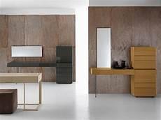 mobili con cassetti consolle laccata in legno con cassetti swing by presotto