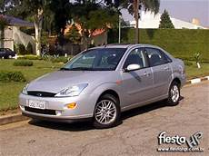 2003 ford focus 2 0 ghia saloon automatic petrol car for sale ford hp ford focus sedan ghia 2 0 2003