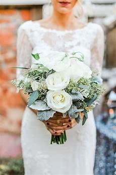 20 gorgeous winter wedding bouquets emmalovesweddings