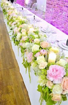 vinopolis london wedding cake and flowers ch 233 rie