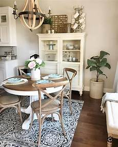 Cottage Dining Room Furniture