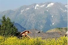 location ski alpe d huez les chalets de l altiport 40 alpe d huez location