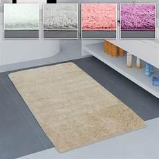 badezimmer teppich badezimmer teppich einfarbig kuschelig gem 252 tlich in versch