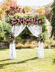 diy wedding arbor from fiftyflowers com