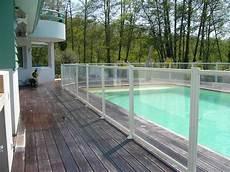 cloture piscine pas cher cl 244 ture piscine aluminium et remplissage verre feuillet 233