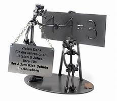 16 Besten Schraubenm 228 Nnchen Figuren Aus Stahl Und