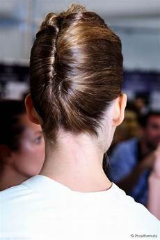 5 chic hairstyles for work