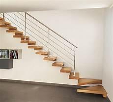 treppe mit geländer viertelgewendelte treppe viertelgewendelte treppe mit