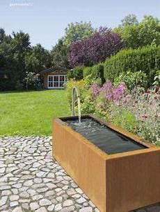 Terrasse Beton Teinté Aqualinea Mit Einlaufrohr Edelstahl Gartenmetall 174 Wasser
