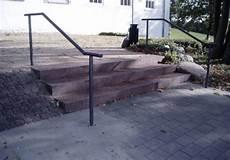 Treppengeländer Außen Verzinkt - handlauf stahl verzinkt grau pulverbeschichtet