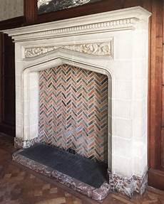 antiker englischer kamin des 19 jahrhunderts sandstein