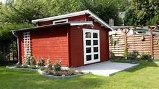 gartenhaus pultdach modern pultdach gartenhaus in schwedenrot mit terrasse und