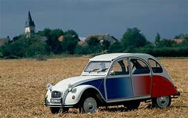 The Citro&235n 2CV – Celebrating 70 Years Of A French Design Icon