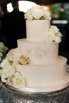 nico and lala wedding cake inspiration