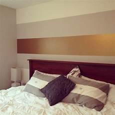Luxuri 246 Se Wandfarbe F 252 R Schlafzimmer Goldener Streifen
