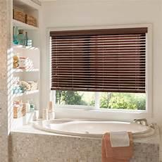duschrollo für fenster erstaunlich jalousien f 252 r badezimmer badezimmer fenster