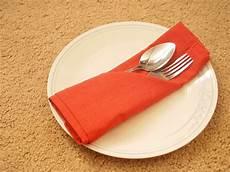 servietten falten besteck how to fold a napkin into the basic silverware pouch 6 steps