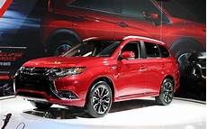 canadian premiere 2018 mitsubishi outlander phev is the