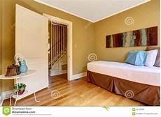 da letto semplice da letto semplice con letto singolo nella lettiera