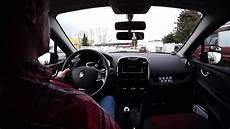 changement des rapports de la boite de vitesse par l auto
