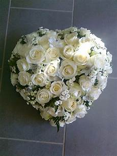 coussin coeur deuil roses blanches matricaire des